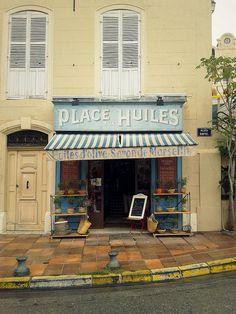 """""""Place aux Huiles"""" shop - Le Panier, Marseille"""