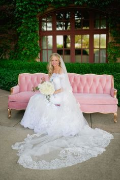We love this darling sofa from Ruby's Vintage Rentals! | Photo: Candi Coffman Photography | #bridesofok