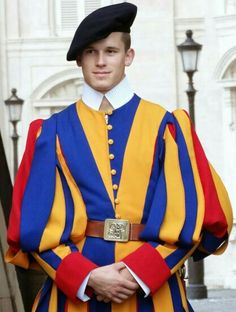 Some hot men from The Swiss Guard in Vatican City Part 2 Swiss Guard, Military Figures, Men In Uniform, Vatican City, Saint George, Notre Dame, Beautiful Men, Sailor, Sexy Men