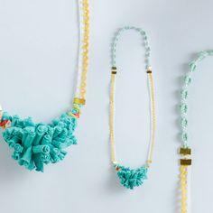 Collar textil Turquesa con Puntillas por mevasevateva en Etsy, €22,00