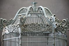 I've always wanted a birdcage like this. Maybe with some finches in it :)