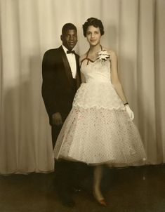 Vintage Dresses 15 Vintage African American Prom Dress Pictures - Before you went/go shopping for that gorgeous new dress check out some of our favorite vintage African American Prom Dresses. Vintage Prom, Vintage 1950s Dresses, Vintage Dance, Vintage Soul, Vintage Weddings, 1950s Fashion, Vintage Fashion, Classic Fashion, 1950s Prom