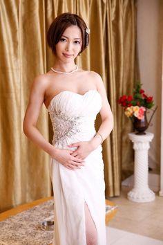 Kimishima Mio / 君島みお Asian Hotties, Asian Beauty, Sexy, Eye Candy, Actresses, Womens Fashion, Ladies Fashion, Celebrities, Wedding Dresses