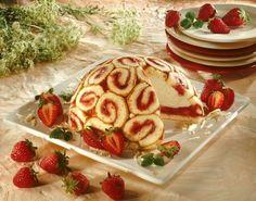 Erdbeer-Charlotte  - Ein cremiges Dessert mit Erdbeeren zum Muttertag oder anderen Festen