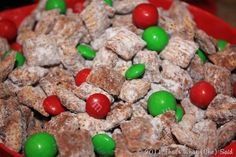 Make a fabulous treat even more fabulous by making it holiday!  Holiday Puppy Chow Mix!  Full recipe for full holiday happiness!