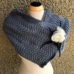 Every knitter has a collection of leftover skeins left in their stash. This Single Skein Denim Scarflette scarf knitting pattern is the absolute perfect stash buster knitting pattern to help clear out those leftovers. Knit Cowl, Knitted Poncho, Knitted Shawls, Crochet Scarves, Crochet Shawl, Free Crochet, Knit Crochet, Knitted Washcloths, Lace Shawls