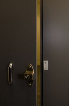 Bathroom Stall Partitions Ontario ironwood manufacturing zero sightline toilet partition door | high