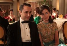 """In the first episode of """"Mad Men"""", the photo of Trudy on Pete Campbell's desk is not Alison Brie."""