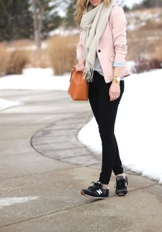 What To Wear With New Balance Trainers and Sneakers - Chic Street Style For Women (3)
