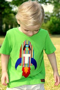 Items similar to Rocket Appliqued Boys Shirt Add Letter or Number for Birthday on Etsy Sewing For Kids, Baby Sewing, Sewing Clothes, Diy Clothes, Applique Onesie, Freehand Machine Embroidery, Diy Vetement, Boys And Girls Clothes, Baby Tutu