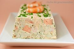Salmon terrine and shrimp - agnes dudziak - - Terrine de saumon et crevettes Salmon terrine and shrimp Salmon Terrine, Tapas, Seafood Recipes, Cooking Recipes, Salmon And Shrimp, Lemon Salmon, Salmon Avocado, Good Food, Gastronomia