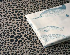 Pod  Narwhal Fabric   Lichen Blue on White  por LilaRubyKingShop