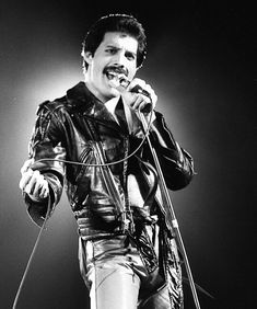 Freddie Mercury Pictures and Photos Mary Austin Freddie Mercury, Queen Freddie Mercury, Queen Lead Singer, Roger Taylor, Queen Love, Greatest Rock Bands, Queen Band, Brian May, John Deacon