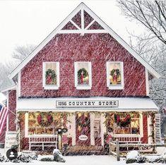 Centerville, Massachusetts | Photo via @decorsteals Mason Jar Christmas Crafts, Country Christmas Decorations, Winter Decorations, Holiday Crafts, Merry Little Christmas, Cozy Christmas, Christmas Time, Christmas Ideas, Christmas Shopping