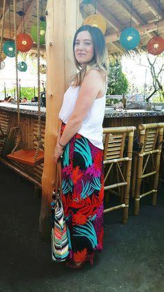 Palmier & bar tiki - Rafraîchir sa garde-robe aux couleurs de l'été - NaNa Toulouse Bars Tiki, Daily Look, Toulouse, Tie Dye Skirt, Skirts, Fashion, Colors, Moda, La Mode