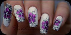Grosses fleurs fuschia et tourbillon