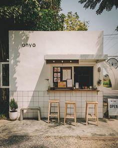 Cafe Shop Design, Small Cafe Design, Cafe Interior Design, Store Design, Japanese Coffee Shop, Small Coffee Shop, Coffee Shop Bar, Coffee Shop Aesthetic, Aesthetic Shop