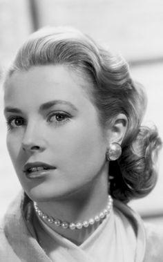 Grace Kelly - 'Rear Window' (Promotional shoot).