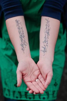 5_mothersarms_tattoo_1.jpg