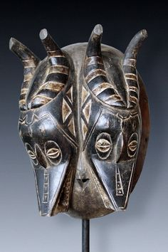 Africa | 'Zamble' dance mask from the Guro people of the Ivory Coast | Wood, pigment | ca. 2nd half of the 20th century
