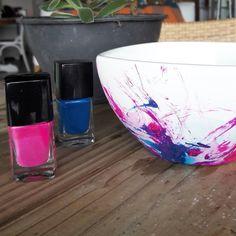 O último passo a passo feito para a revista de decor do @zap_imoveis tá no ar! Técnica que adoro: pintura de porcelana com esmalte de unha.  #trabalhama #elo7 #pap #diy