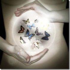 """""""La sensación de """"tener mariposas en el estomago"""" es algo muy común relacionado a ciertas emociones como la de estar enamorados"""""""