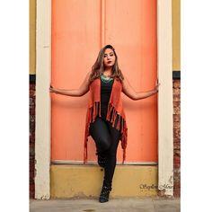 Mais uma foto desse ensaio massa com a blogger do @noestilodelari ! #Petrolina #Centro #Rua #Red #black #urbanexploration #streetphotography #streetmagazine #createandcapture  #ana  #vscojob #fashionportrait #redhair #ruivas #moda #model #instafashion #photo #photographer #fotografia #editorial #style #vintage #foto #speranza #speranze #nikontoday #photography #sicilia http://tipsrazzi.com/ipost/1516968493541833394/?code=BUNWs7BBTqy