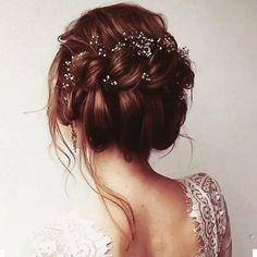 Beautiful hair! #weddingtime #weddinghair #weddinghairstyle #weddinghairdo #hairstyle #weddingstylist #weddingdetails #weddingnapa #vineyardwedding #vineyard #weddingtime