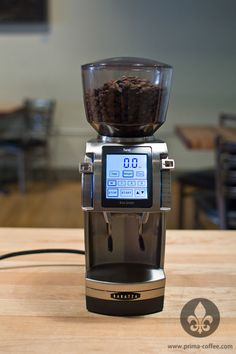 Fresh from the vaults of innovation, Baratza's Forté has arrived. But what's all the chatter about? This review will get you close and cozy with the Forté, where you'll find out if it's really hot stuff — or all hype.