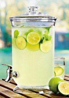 (Designer drinkware)Felli- Crystal clear acrylic Beverage Dispenser. Unbreakable polycarbonate. 1.16 gallon capacity. BPA FREE. Durability and styllish. Ice cold, easy pour spout. (U396493) Felli / Drinkware / Barware http://www.amazon.com/dp/B00IUAU3BS/ref=cm_sw_r_pi_dp_RUQXtb0VSYRC448Y