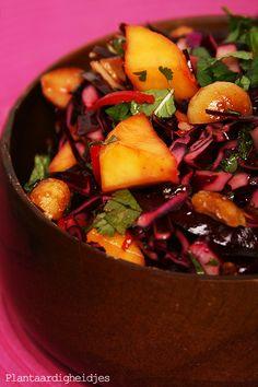 Plantaardigheidjes: Rode kool mango salade