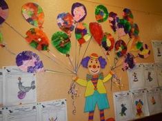 In Chantals Kindergarten: Mai 2015 – Typical Miracle Clown Crafts, Carnival Crafts, Kids Carnival, Carnival Themes, Decoration Cirque, Decoration Creche, Circus Art, Circus Theme, Fairy Costume For Girl