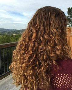 Natural Curly Hair, Ombre Curly Hair, Brown Ombre Hair, Curly Hair With Bangs, Curly Hair Tips, Ombre Hair Color, Long Curly Hair, Dyed Hair, Wavy Hair