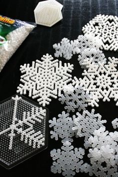 flocons de neige/ DIY Hama beads snowflakes, by Karlssons Kludeskab Kids Crafts, Christmas Crafts For Kids, Holiday Crafts, Christmas Decorations, Parties Decorations, Snowflake Decorations, Christmas Patterns, Kids Diy, Tree Decorations
