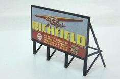 1930s Gas Station Custom Billboard - Assembled (361-979) -- Walthers Model Railroading