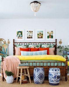 Eclectic Master Bedroom Guide - Bedroom Bed, Linen Bedroom, Furniture Bedroom and Style Master Bedroom Home Bedroom, Bedroom Furniture, Home Furniture, Furniture Design, Bedroom Decor, Master Bedroom, Bedrooms, Furniture Shopping, Furniture Ideas
