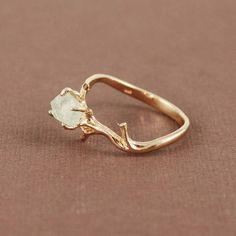 Кольцо из металической глины с кристаллом
