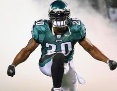 definitely my favorite eagle of all time. glad i own his jersey. enjoy your retirement brian.