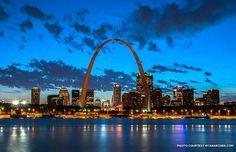 St Louis Missouri - with spousal unit and twins Stl Arch, St Louis Skyline, Great Places, Beautiful Places, Saint Louis Arch, Indiana Dunes, Kenai Fjords, Skyline Silhouette, Missouri