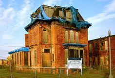 269 Winder Street, Brush Park, Detroit by Detroit Ruins, Abandoned Detroit, Abandoned Mansions, Abandoned Buildings, Abandoned Places, Derelict House, Detroit History, Desert Dream, As Time Goes By