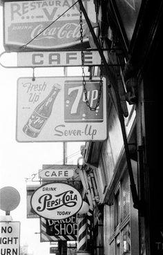 London, 1955 David Hurn Jolie Photo, Signage, Photos, David, London, Inspiration, Art, Cowls, Photographs