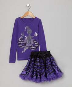 Feeling a little spooky doesn't mean tiny tricksters have to sacrifice looking sweet. This set boasts the best of both worlds thanks to its festively frightful cotton top and playful pettiskirt. Elastic at the waist keeps everything in place without restricting movement.Includes tee and pettiskirtPolyester / cottonMachine wash; tumble dryMade in the USA