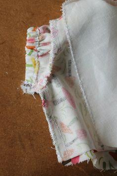 """Patron """"Mélusine"""": chemisier pour Wichtel 32cm - Ma p'tite école de couture... Kitchen Towels Hanging, Frock Design, Doll Crafts, Frocks, Fashion Dresses, Girls Dresses, Stitch, Dolls, Sewing"""