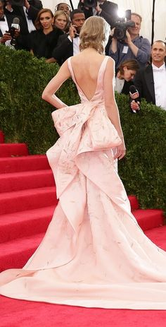 There was no dress more gorgeous than Taylor Swift's Oscar de la Renta design at the Met Gala.