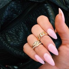 """Pretty pretty nails ✨ #notd #pink #talons #emiunicorn"""