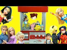 Reto Maquina La Garra Competencia de Juguetes Sorpresa Chicos VS Chicas - Los Juguetes de Titi - YouTube