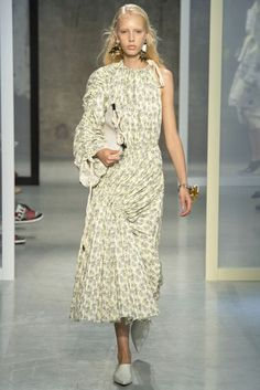 Milano Moda Tendenze: Primavera / Estate 2017 | British Vogue