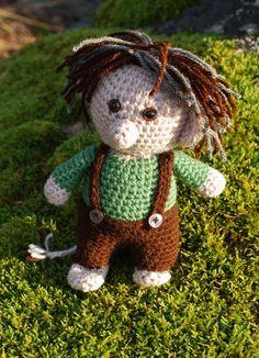 """Troll amigurumi virkmönster (ingår även i mönstret till """"Petter"""") by salabim Diy Crochet Toys, Crochet Art, Crochet Home, Knit Or Crochet, Crochet Animals, Crochet Dolls, Crochet Patterns, Chrochet, Troll Dolls"""