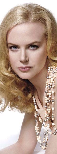 PEARL-FECTION.  Nicole Kidman looks divine in pearls. #Monthofpearl #Jerseypearlloves