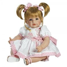 De topcollectie van Adora zijn de Toddler Time Babies. In 2013 is de Adora Toddler Collectie bij de dr. Toy verkiezingen gekozen tot Best Classic Toy. Deze (baby) kleuter poppen zijn met de hand gemaakt en hebben een levensechte uitstraling.De Adora toddlers zijn gemaakt van Vinyl en stof en zijn ruim 50 cm lang. Ze zien er ook uit als een echt kindje.De lieve poppen met hun prachtige bijpassende kleertjes maken deze poppen zeer geliefd bij kinderen en verzamelaars.De Adora happy birthday…